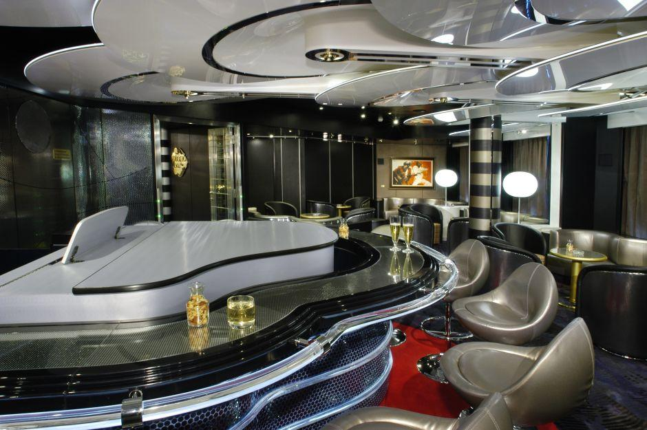 MS Oosterdam - Holland America Line - Piano Bar