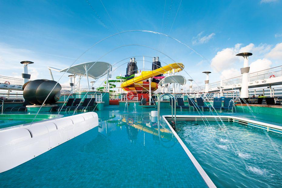 Norwegian Epic - Norwegian Cruise Lines - vodotrysk v aquaparku