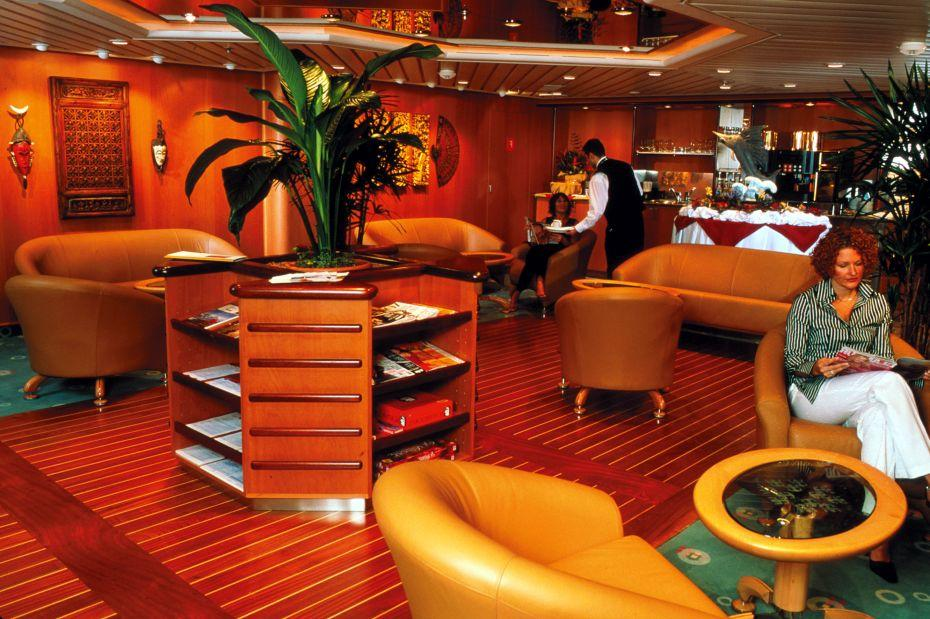 Adventure of the Seas - Royal Caribbean International - luxusní bar