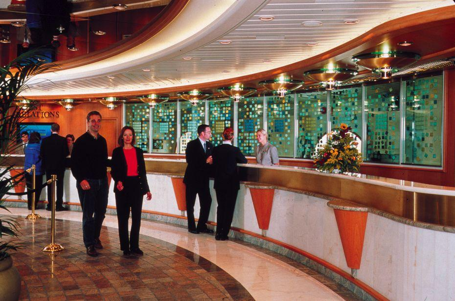 Adventure of the Seas - Royal Caribbean International - recepce na lodi