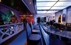 Freedom of the Seas - Royal Caribbean International - bar The Crypt