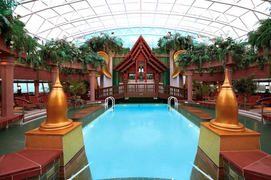 Jewel of the Seas - Royal Caribbean International - Adventure Beach®