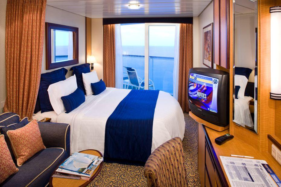Quantum of the Seas - Royal Caribbean International - kajuta s TV a výhledem ven na moře